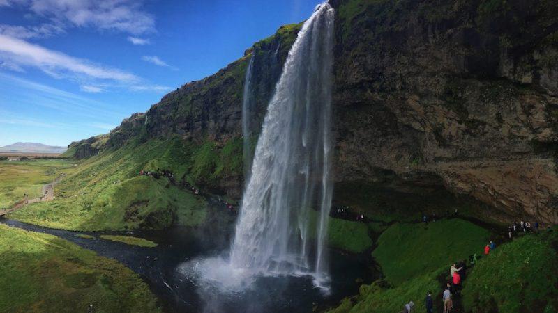 island seljalandsfoss Curren Podlesny